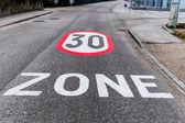 30 kph zone in the city — Zdjęcie stockowe
