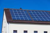 Solar panels on multi-family house — Stock Photo