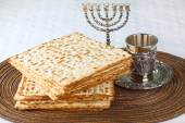 Matzah on Plate — Stock Photo