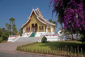 Buddhist temple in the palace grounds in Luang Prabang — Stock Photo