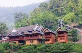 Bungalows In The Jungle In Laos — Stock Photo