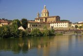 River Arno and church San Frediano in Cestello - Florence — Stock Photo