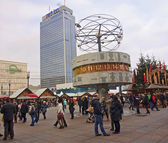 BERLIN, GERMANY - DECEMBER 7, 2014: Alexanderplatz is visited daily by over 300 000 people. on 7 December 2014 in Berlin, Germany. Alexanderplatz is the central hub in the eastern part of Berlin. — Stock Photo