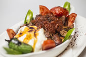 Traditional Turkish food - Iskender kebap — Stock Photo