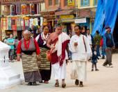 Tibetan pilgrims in Nepal. — Stock fotografie