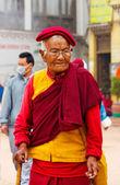 Tibetan pilgrim in Nepal. — Stock fotografie