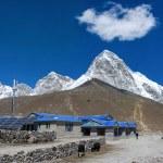 Gorak Shep village and Kala Patthar , Nepal — Stock Photo #52410505