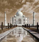 Taj Mahal in Agra, Uttar Pradesh, India  — Stock Photo