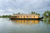Traditional Indian houseboat — Stok fotoğraf