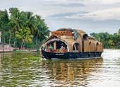 Traditional Indian houseboat in Kerala, India  — Stockfoto