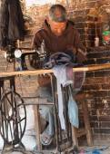 Street tailor  in Bhaktapur, Kathmandu — Stock Photo