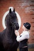 Dziewczyna i koń — Zdjęcie stockowe