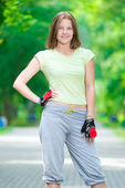 Girl going rollerblading — Stock Photo