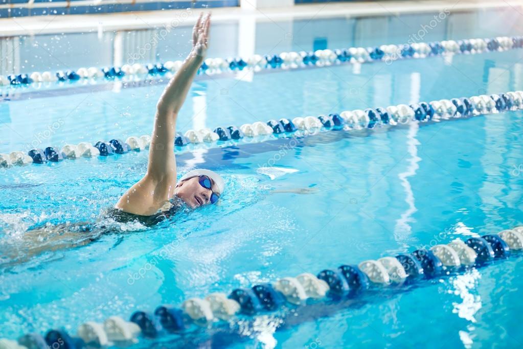 Фото спорт бассейн девушки