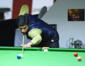 Bangkok, Thailand - SEP 4:Mohammad Asif of Pakistan in action during Sangsom Six-red World Championship 2014 at Montien Riverside Hotel on September 4, 2014 in Bangkok, Thailand. — Stock Photo