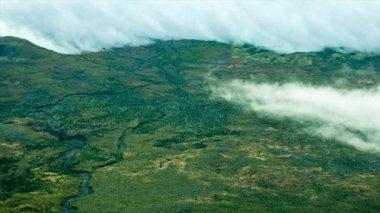 霧と曇りの午後遅くピコ島 — ストックビデオ