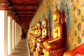 Buddha statues in a Thai Buddhist temple — Stock Photo