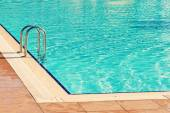 Swimming pool at the hotel in holiday resort — Stock Photo