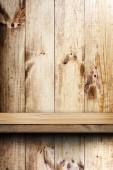 Trähylla och vägg — Stockfoto
