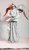 Svátky, Valentýn dospívající Amor děvče s lukem a šípem — Stock fotografie
