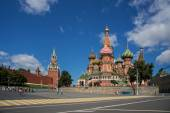 Intercession Cathedral St. Basil's on Red square, Moscow, Russia — Stock Photo