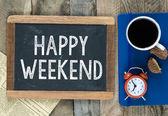 Happy Weekend on blackboard — Stockfoto