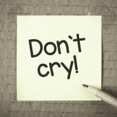 Note with don't cry — Stock Photo