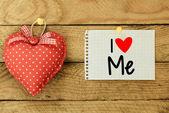 I Kochaj mnie karty z serca — Zdjęcie stockowe