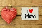 I love Mom Card with heart — Stock Photo