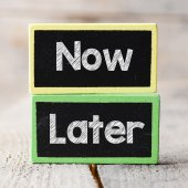 Now and Later option — Stockfoto