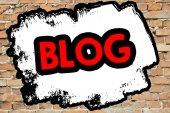 Blog On brick wall — Φωτογραφία Αρχείου