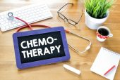 Handwritten chemo-therapy  on blackboard — Stock Photo