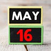 Le 16 mai sur tableaux noirs — Photo