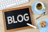 Blog op Blackboard met krijt — Stockfoto