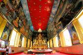 Buddyjskie rzeźby i świątyni Wat Tai — Zdjęcie stockowe