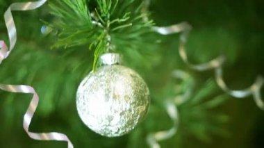 Fir tree ball decoration — Stock Video