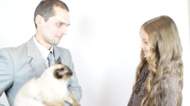 Man with girl and cat — Stock Video