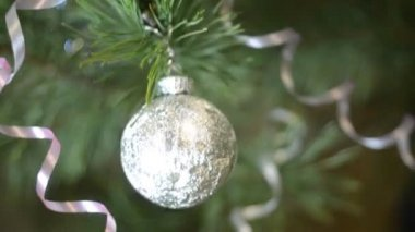 Fir tree ball decoration — Stockvideo
