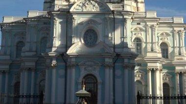 Cathédrale Smolny — Vidéo
