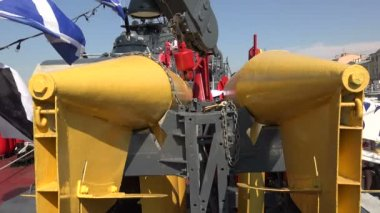 Buoys to indicate underwater mines. 4K. — Stock Video