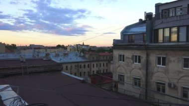 Petersburg. View from the roof. Old yard-a well. 4K. — Stock Video