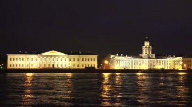 Kunstkamera. Museum of anthropology and Ethnography in St. Petersburg. Night.4K. — Stock Video