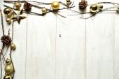 与明星的黄金圣诞装饰球 — 图库照片