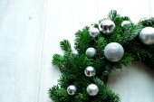 Silver ornament balls Christmas wreath — Стоковое фото
