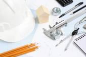 Hulpmiddelen voor tekenen project concept huisbouw — Stockfoto
