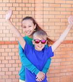Barn pojke flicka vänskap — Stockfoto