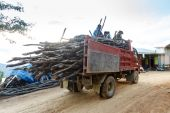 Forestry truck on dirt road in Myanmar — Stock Photo