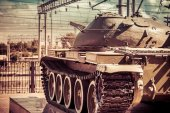 Tank in action with wires in background. Concept of war and conf — Stock Photo