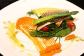 White fish with asparagus, spinach and carrot cream — Stock Photo