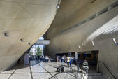 Modern hall in Museum of History of Polish Jews in Warsaw — Stock Photo